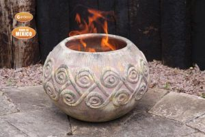 Gardeco Aestrel Celtic Clay Fire Bowl with Stand - Large