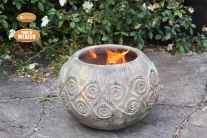 Gardeco Aestrel Celtic Clay Fire Bowl with Stand - Medium