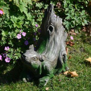 Squirrel Statue Driftwood Effect